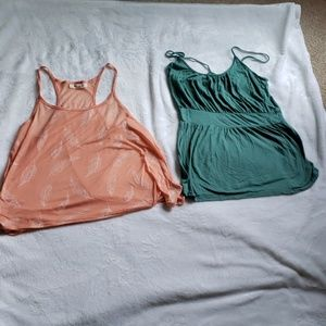 2 tank tops 1 forever 21 and 1 mossimo  both Sz M